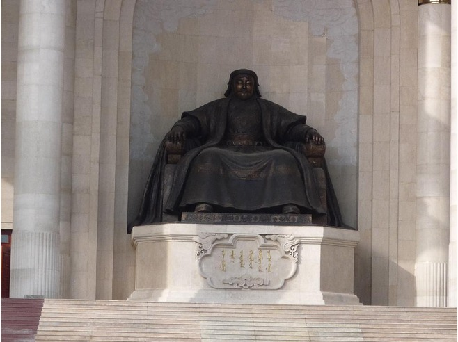 Genghis_Khan_Statue_Mongolian_Parliament_Building_Ulaanbaatar